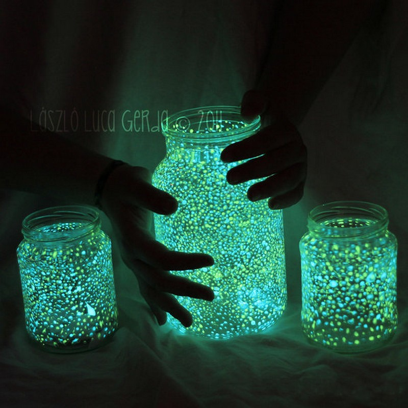 Make some attractive Glow In The Dark Jars