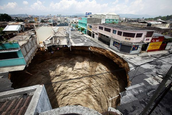 Guatemala City sinkhole is approximately 18 m (60 ft) wide, which is just large enough to completely swallow a 3 story building, cars, telephone poles, and other objects unfortunate enough to be in the immediate vicinity.