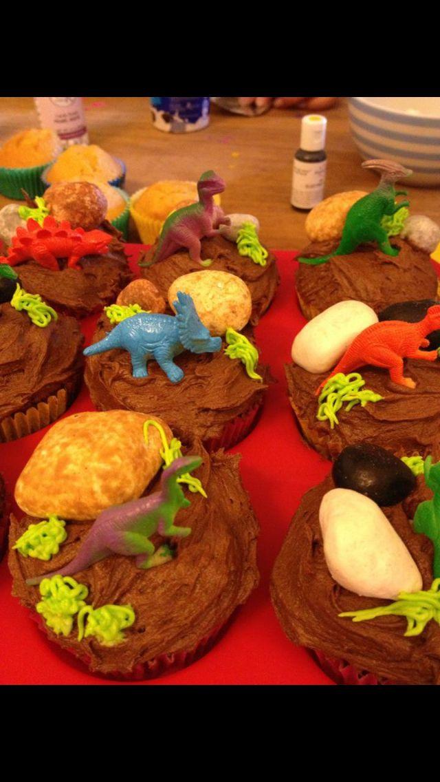 Dinosaur Cupcakes Parade
