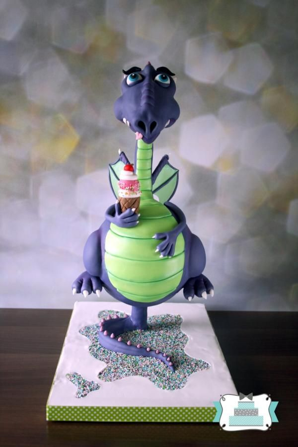 Floating dragon - Cake by Mond vol taart