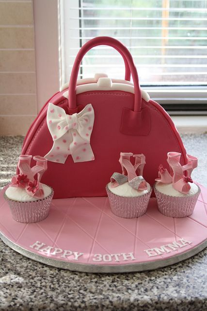 20 Fantastic Handbag Purse Cakes For Fashionistas Page
