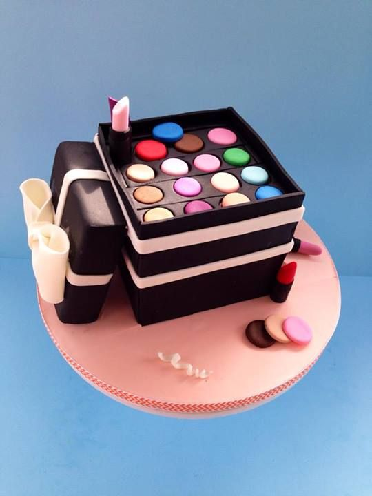 Cake Artist Cakes : Amazing Makeup Cake Ideas - Page 14 of 21