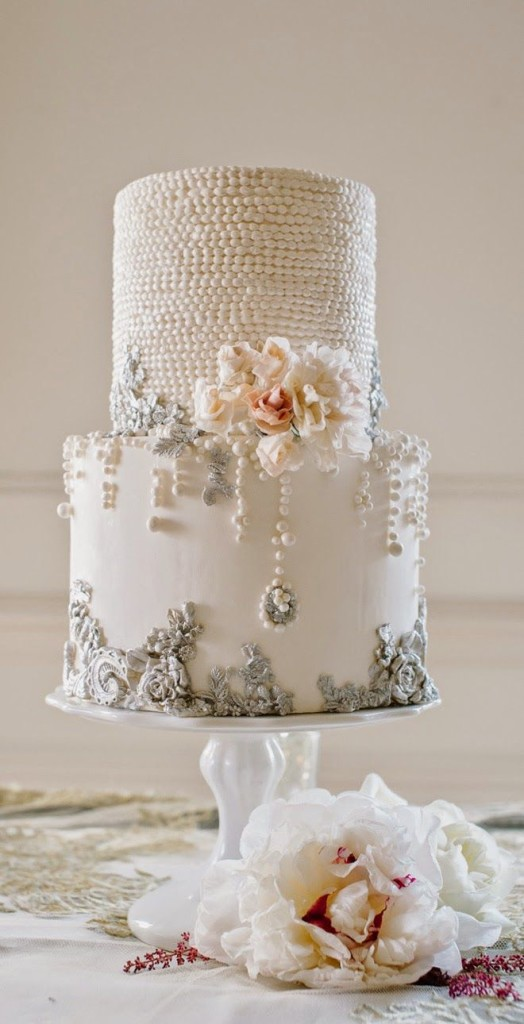Top 20 Cakes with Sophisticated Jewelries or Bling