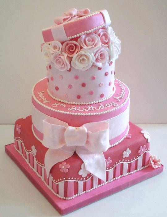 Fantastic And Stunning Gift Cakes
