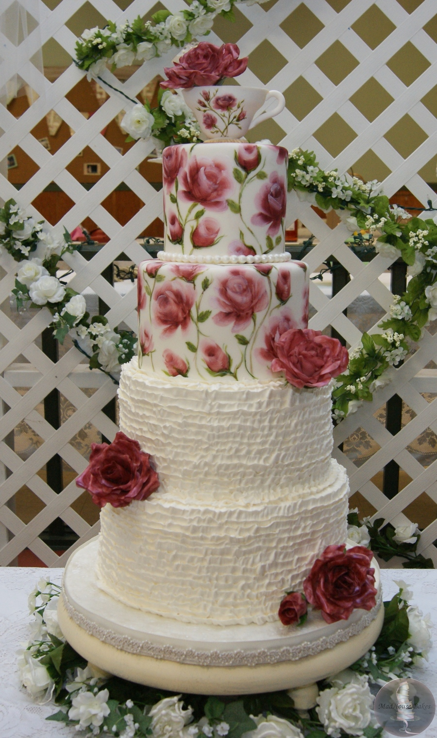 Top 25 Cakes With Buttercream Ruffles