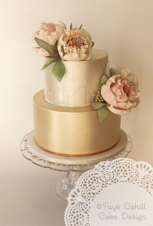 golden wedding cake design 15 gorgeous gold wedding cakes with floral details page 14758