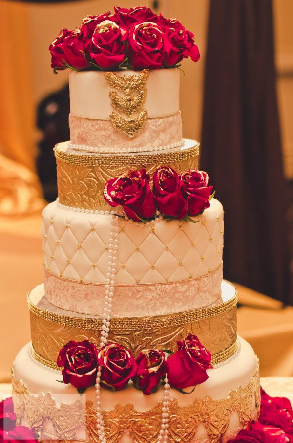 15 Gorgeous Gold Wedding Cakes With Floral Details Page 11 Of 18