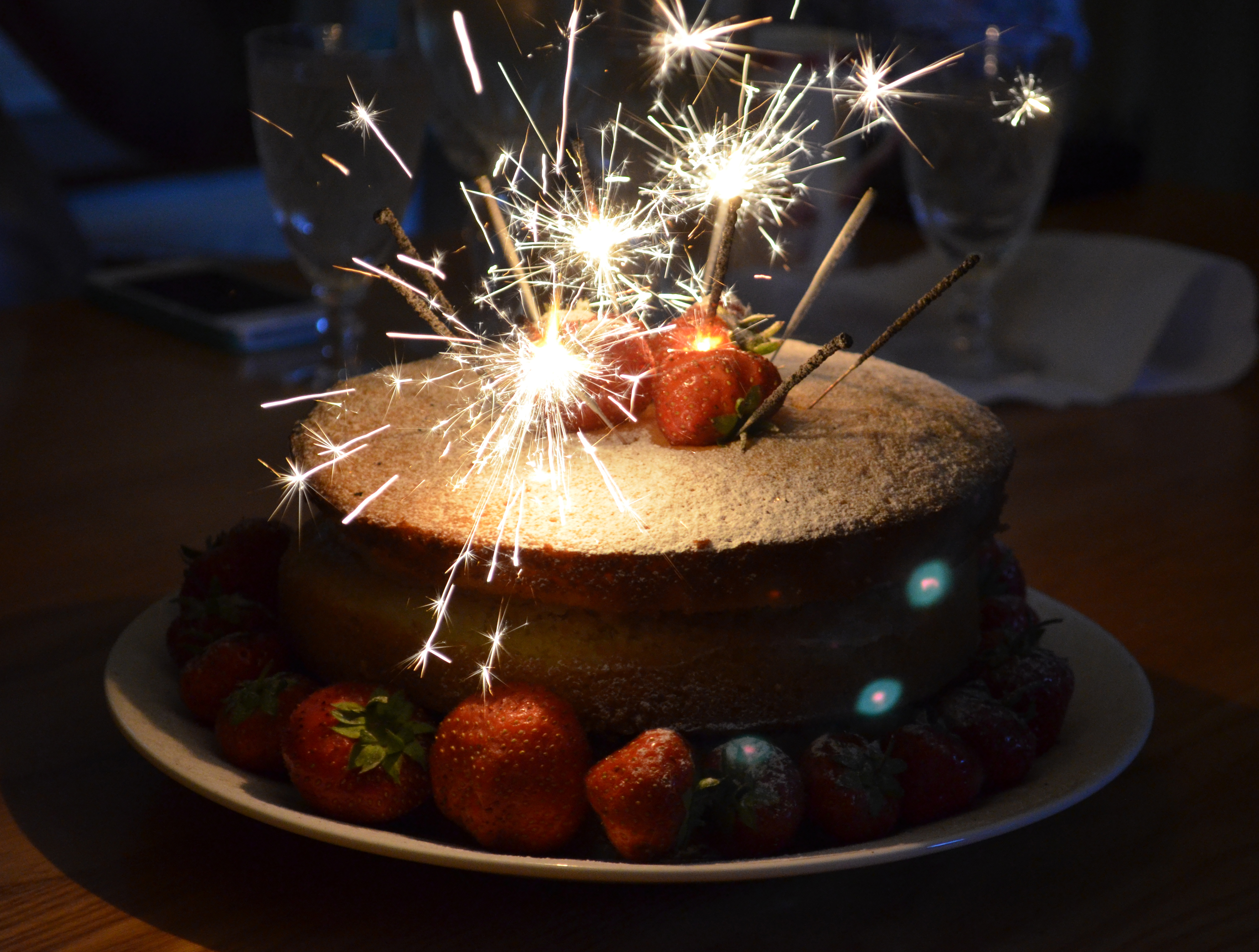 Crazy Cakes And Cupcakes With Amazing Sparklers Page 14