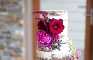 Stylish Wedding Cakes With Classical Details 20
